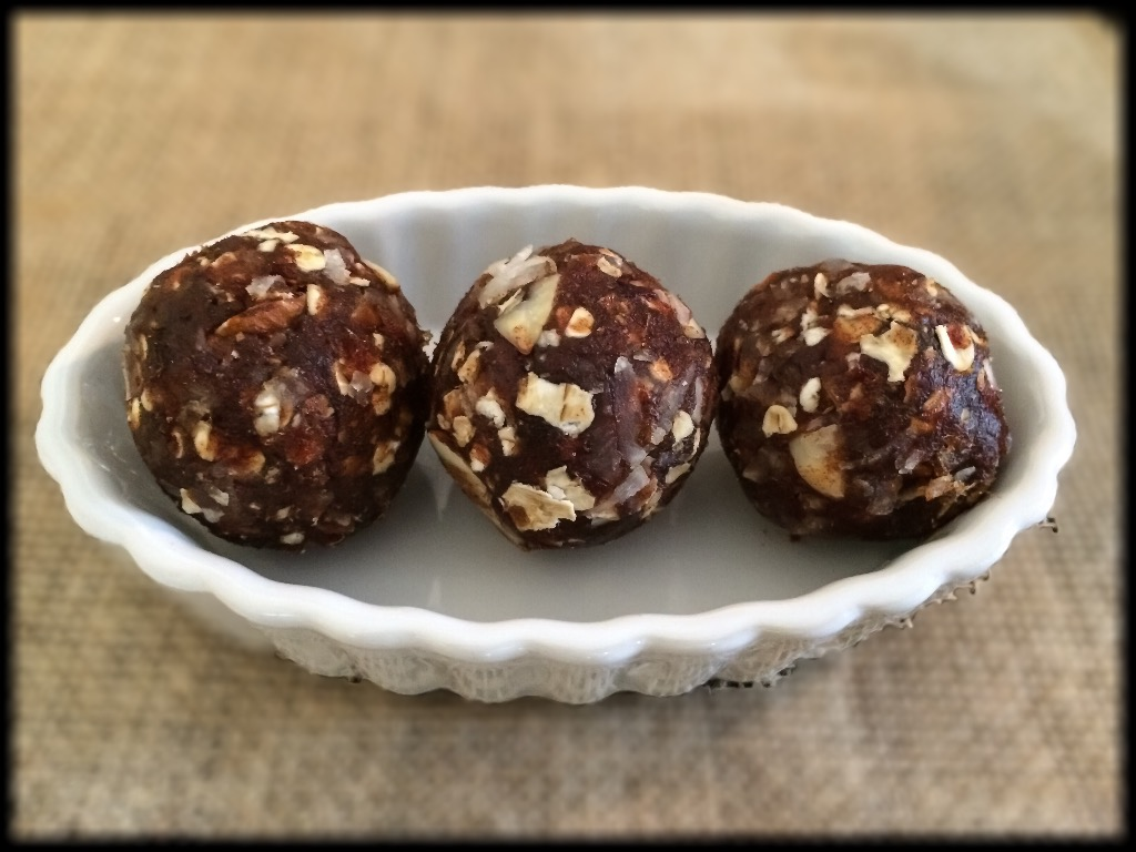 Date Balls Recipe from MotionFit.net